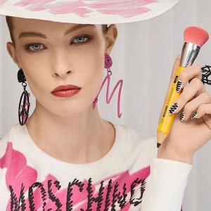 低至5折 €147收超可爱T恤Moschino Boutique 精致美衣折扣收 古灵精怪又美丽