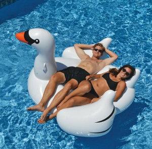 $25.97(原价$45.8)Swimline NT268 75英寸网红白天鹅水上浮床