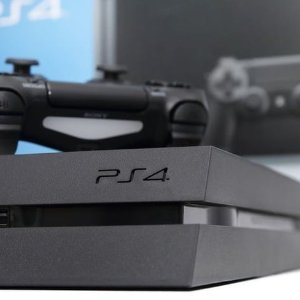 Total Get $200PlayStation 4 / PlayStation 4 Slim Trade-in