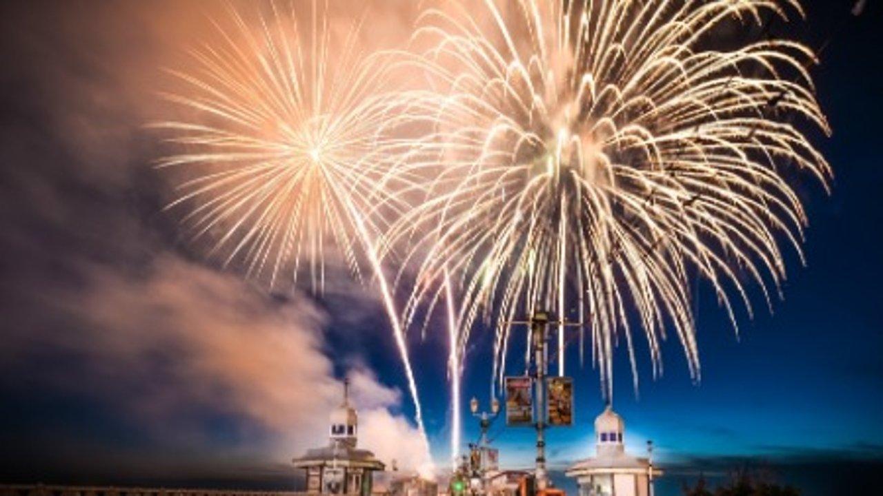 2021世界烟花大赛+震撼灯光展9月英国开启!免费观看攻略来啦!