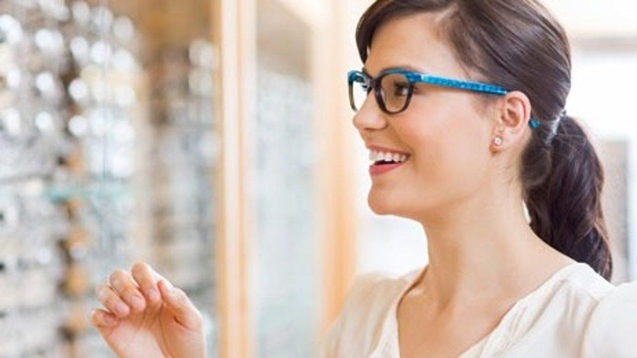 如何在英国配眼镜配隐形眼镜? 附NHS免费配眼镜办法,英国网上配眼镜省钱妙招。
