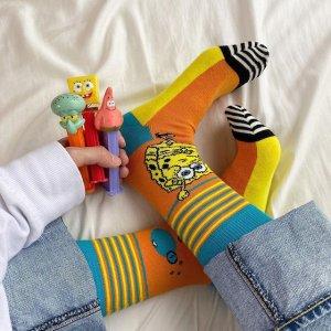 低至5折 4双装惊喜盲盒$22Happy Socks 夏季大促 周雨彤同款符号袜$6,唐嫣同款彩虹袜$7