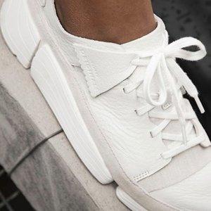 仅售$96.25 男女款都有Clarks Trigenics 爆款三瓣鞋闪促