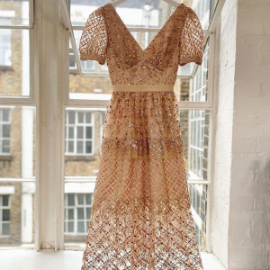 3折起 $245收蕾丝连衣裙Self-Portrait 超美仙女裙闪现好价 必备蕾丝裙小仙女速收