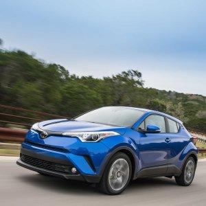 配置更高 价格降低2019 Toyota C-HR 小型城市SUV