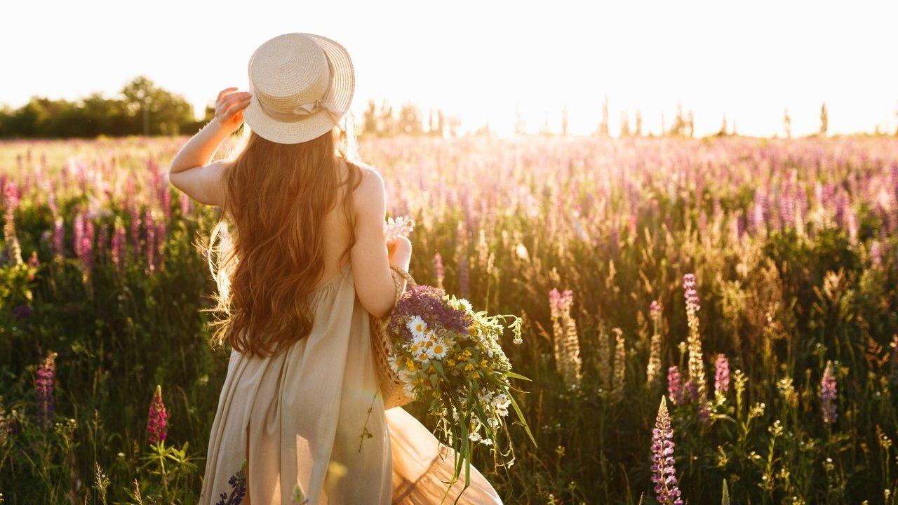 晒晒圈每日热点   春季绝美穿搭一网打尽,穿的美美的去看看最美人间四月天!