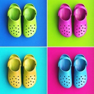 低至$13.99 打折款再额外5折限今天:Crocs官网 折上折闪购 收冬季毛毛款洞洞鞋、靴子