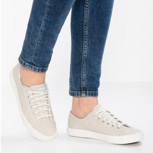 $12.54起 (原价$70)Keds 女士休闲舒适帆布鞋特卖 2色选