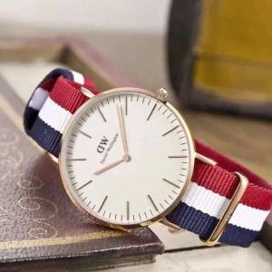 经典配色低至$160DW 时尚腕表必抢好价 新款手镯$79,对戒$49