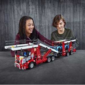 7.3折 €106.25(原价€146.21)LEGO 乐高红色运输车+蓝色小跑车组件 一套玩具2种玩法