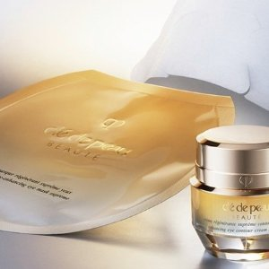 New Arrival! $150Vitality-Enhancing Eye Mask Supreme - 6 pairs included @ Cle de Peau