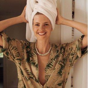低至5折 收时髦百慕大短裤Mango 时尚美衣热卖,收连衣裙,休闲西装外套