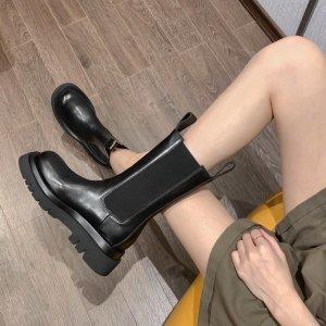 直接8折 封面同款€680收Bottega Veneta 爆款厚底靴罕见有货打折 全世界都在穿