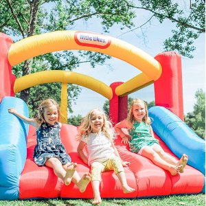 $245(原价$299.99)Little Tikes 儿童充气蹦床滑梯组合,让宝宝成为最拉风的崽