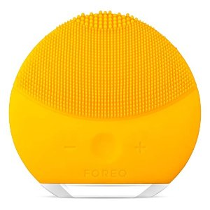 FOREOLUNA mini 2 Facial Cleansing Brush and Anti-aging Skin Care device
