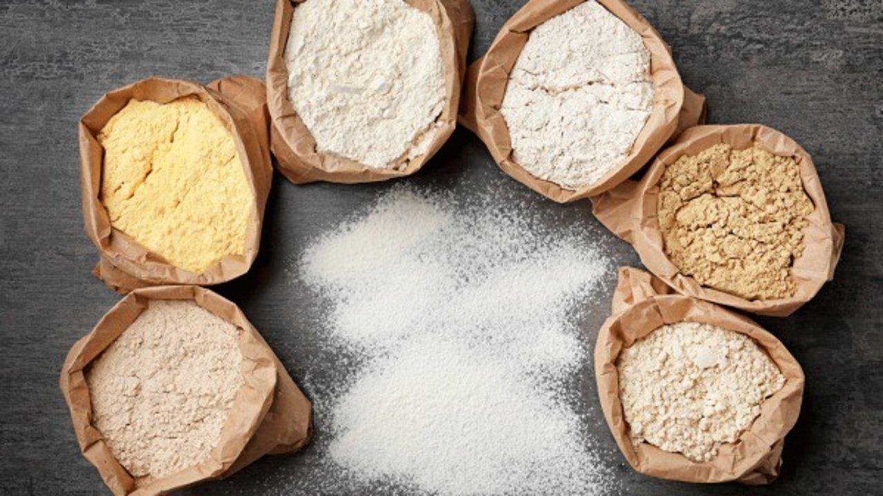 常用面粉大全+食谱 | 低筋,中筋和高筋面粉之间到底有什么区别