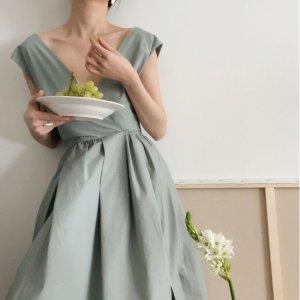 3折起+额外9折 €36收爆款荷叶裙COS官网春季大促 设计感满分的小裙子 平价get高级感