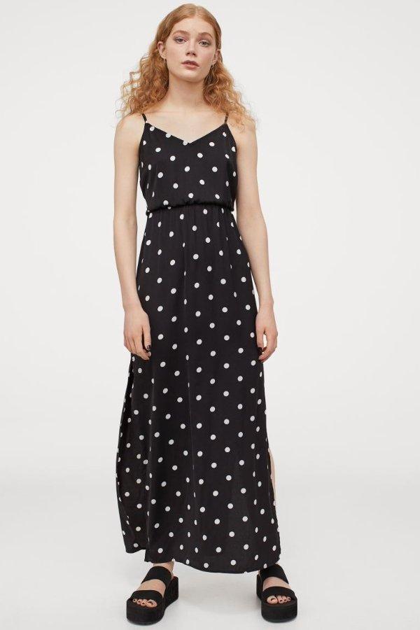 黑色波点连衣裙