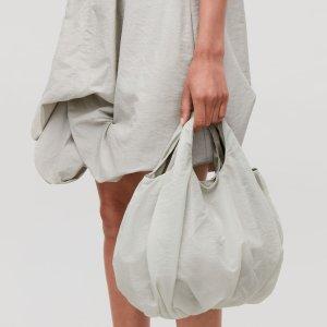 £35收封面款精致小手提包COS 精选美包配饰上新 牛油果绿斜挎包也有
