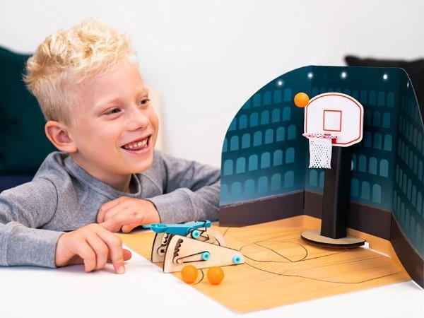 自制投篮器,适合年龄 5+