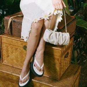 低至3.5折STAUD 夏季大促 经典细带凉鞋$96,Bean腋下包$97