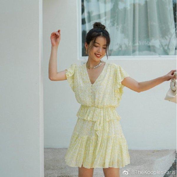 小黄花连衣裙