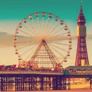45折 £59起含双人住宿餐饮Blackpool 超值度假套餐 黑池海滩游乐场安排起来