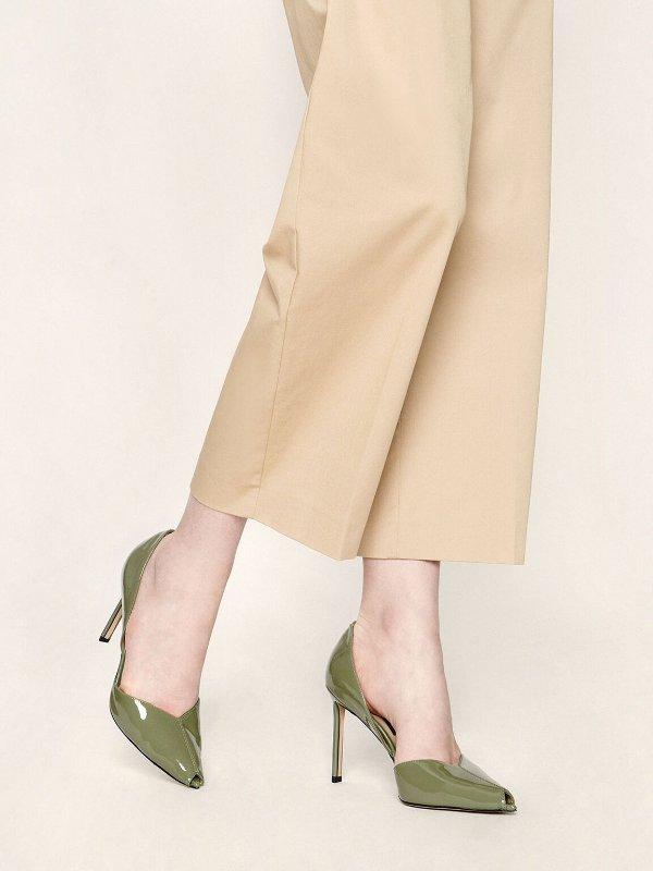 果绿色高跟鞋