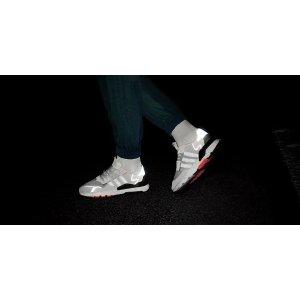 AdidasNite Jogger运动鞋