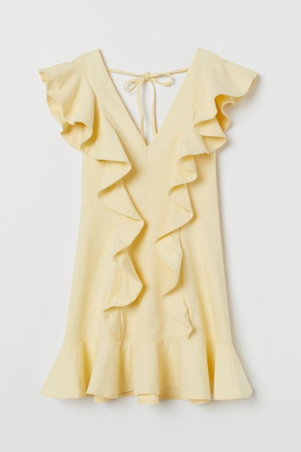 木耳边小黄裙