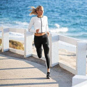 低至6折 €59收IU同款608New Balance 折扣区海量复古跑鞋、运动服任选