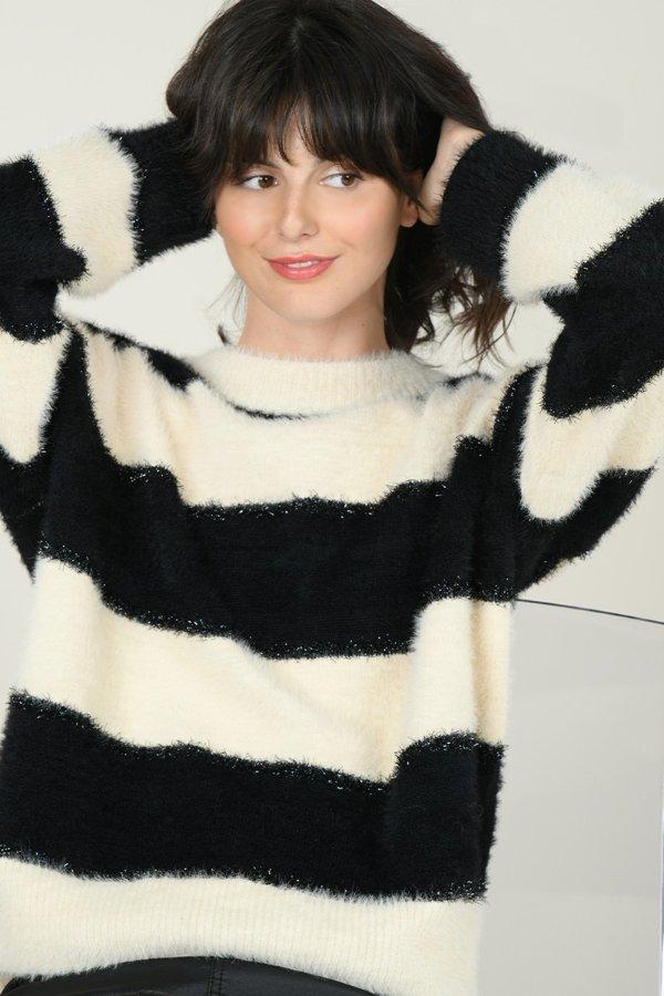 黑白条纹毛衣