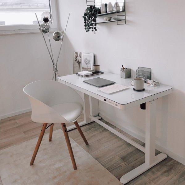 Comhar  玻璃台面可调节电动升降桌