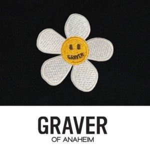 4折起 €54.96收爱心白TGraver 笑脸潮牌上新 小花花、笑脸元素满满 明星同款参与