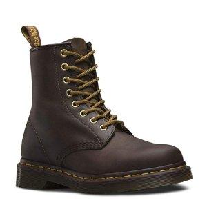 现价$97.97(原价$140) 男女同款手慢无:Dr. Martens 经典款咖啡色1460 8孔马丁靴特价