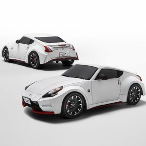 Construction PattrensNissan 370Z Nismo 1/18 Papercraft