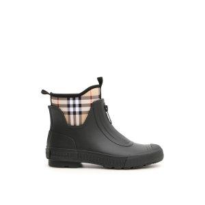 Burberry靴子