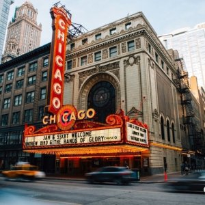 $105+ 50% OffLuxe Downtown Chicago Hotel in Summer