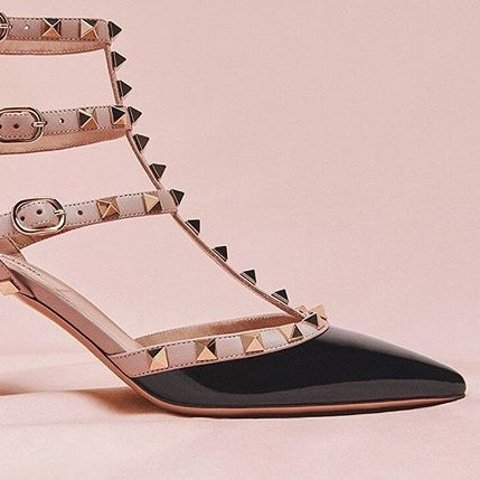 Valentino 时尚专场 铆钉高跟鞋$500+码全,卡包$189