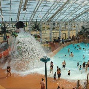 暑假尾巴走起来 $119(原价$189)大瀑布Americana Resort 酒店一晚(双床房)+Waves水上乐园套票