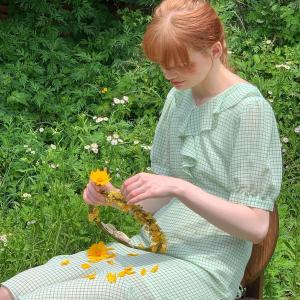 6折起 荷叶领上衣$107Hackesch 温柔甜美系美衣 荷叶边、小碎花、褶皱细节超惊艳