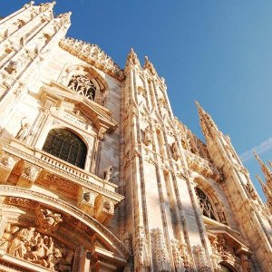 From $649Air & 8-Day Tuscany & Milan Vacation w/ Car