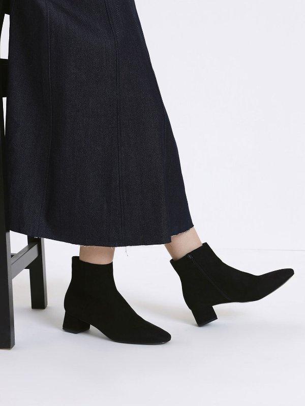 黑色高跟踝靴