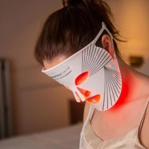 6.9折 现仅$455CurrentBody LED 疗效面膜大促 4周减少35%皱纹!