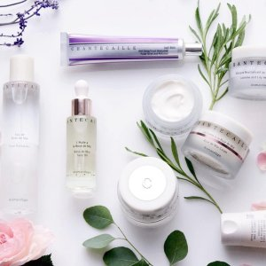 15% Off + Up to $1500 E-Gift Card RewardDealmoon Exclusive: Barneys New York Chantecaille Beauty Sale