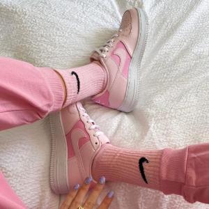 5折起+额外85折 €16收经典logo Tee限今天:Nike官网大促 甜美可爱的粉色系 运动girl上线啦