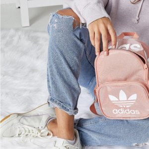 粉色降至¥150Adidas Originals Santiago 迷你双肩背包