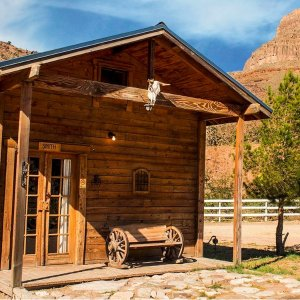 大峡谷西缘 2晚西部小木屋住宿 复古牛仔风 可全额退款