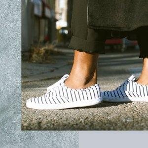 $12.29(官网售价$70)Keds Champion 女款经典条纹小白鞋 5码 白菜价速抢