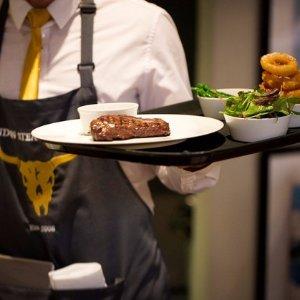 低至5折 三道菜配鸡尾酒London Steakhouse Company 浪漫双人牛排套餐